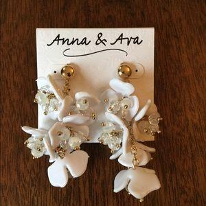 ANNA & AVA White Floral Drop Earring NWT